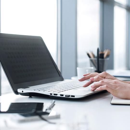 laptop ile çalışma